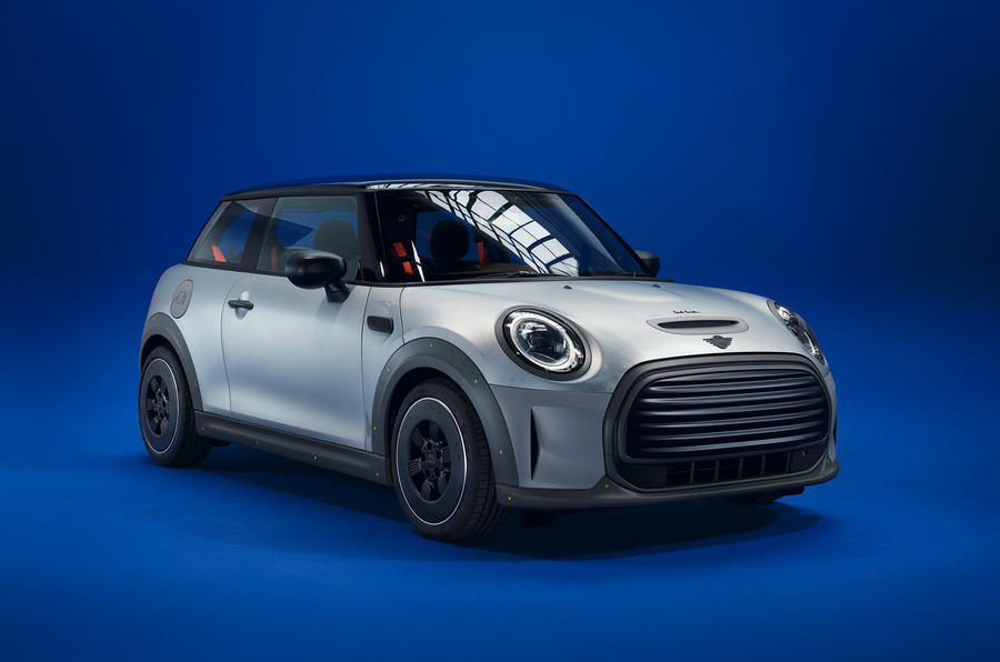 99-mini-strip-paul-smith-official-images-hero-front
